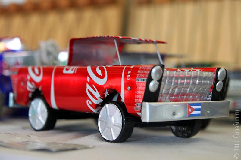 Автомобиль из банки Кока-Колы.
